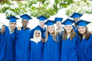 Image of a group of graduations from an Oasis International School in Brazil